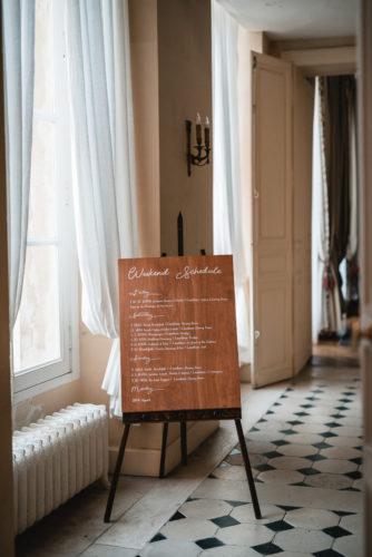 signalétique mariage, programme personnalisé du week-end pour les invités, homemade for love, mariage orne, wedding destination, mariage de destination, mariage franco-américain, château de Courtomer