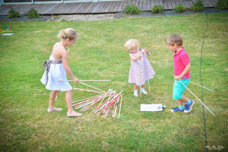enfants, invités, jeux en bois, mariage calvados