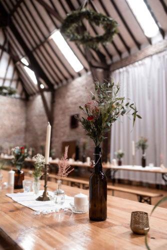 mariage boho, décoration vintage, décoration florale