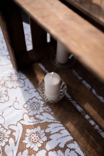 cocktail mariage, décoration vintage, bougie, nappe en dentelle