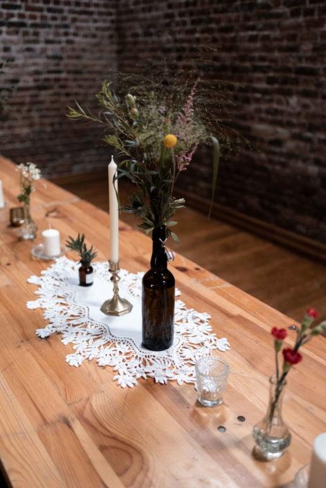 décoration de tables, mariage boho folk, bougeoirs vintage, décoration florale