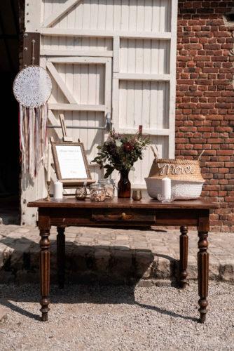 coin cadeaux, livre d'or, urne, mariage bohème, mariage folk, joli jour