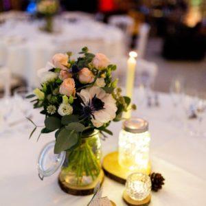 Décoration de table d'un mariage d'hiver par Homemade for Love au domaine de la Pommeraye en Normandie