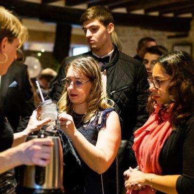 Pause sucrée et bar à chocolat chaud avant la cérémonie laïque au Domaine de la Pommeraye