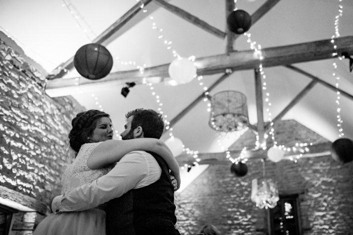 Première danse, mari et femme, mariage d'hiver au domaine de la Pommeraye en Normandie